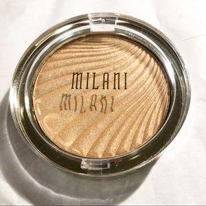 MILANI Strobe light Instant Glow Powder